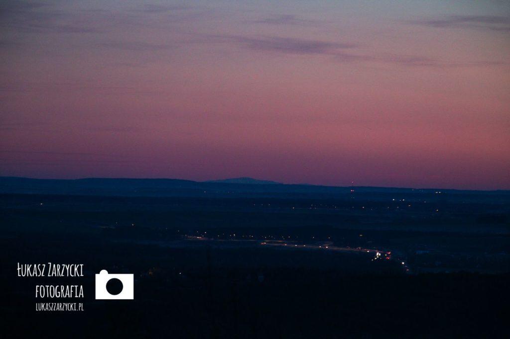 Widok na Babia Gore z zamku krolewskiego w Checinach
